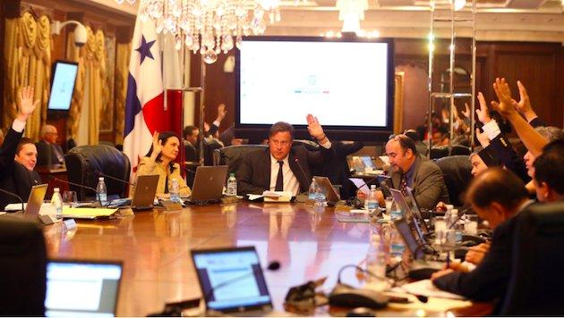 Ejecutivo panameño establece un aumento en el salario mínimo de un 6.5 %