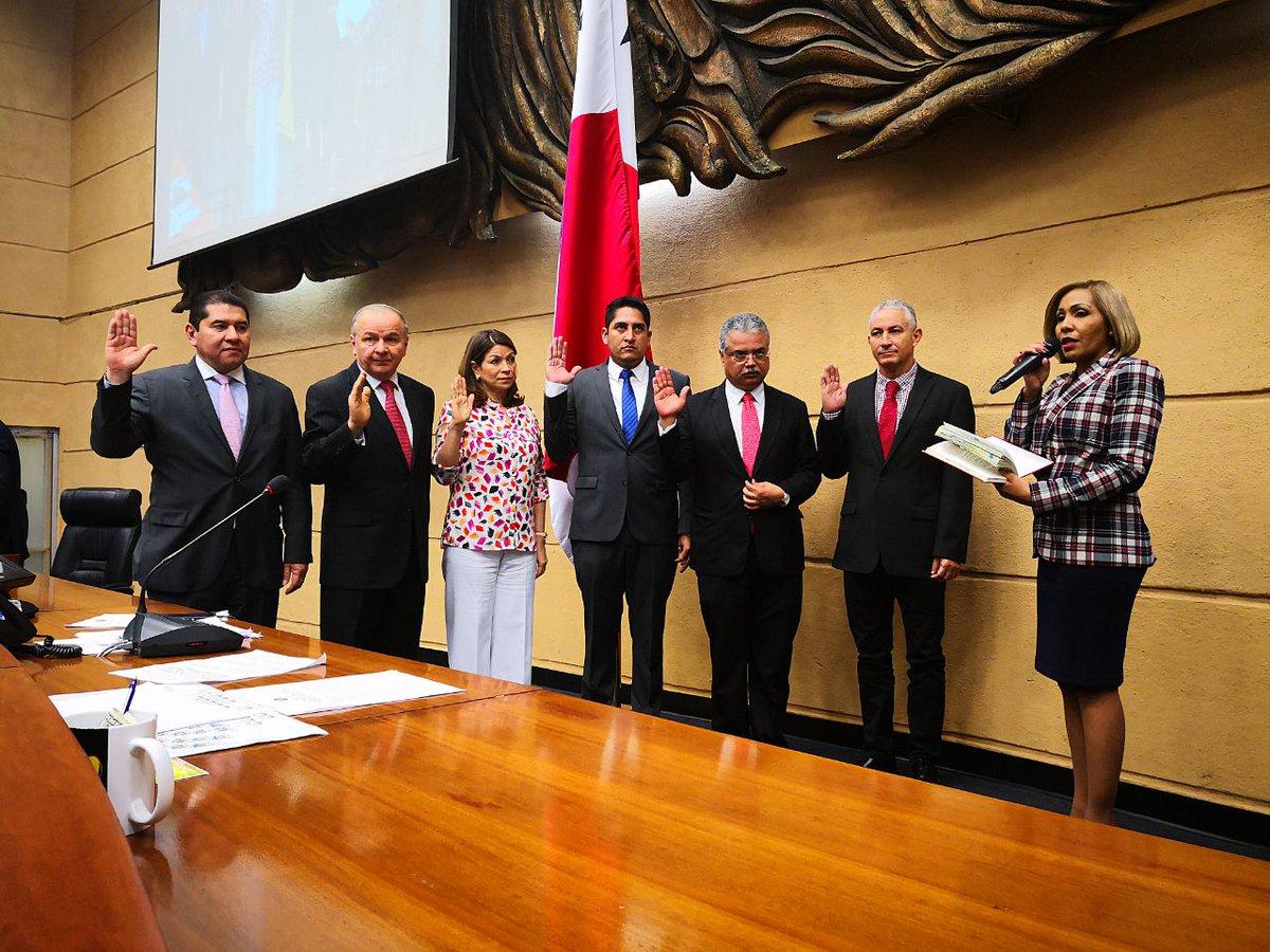No reconocemos la reconformación de la Comisión de Credenciales — Bancada panameñista