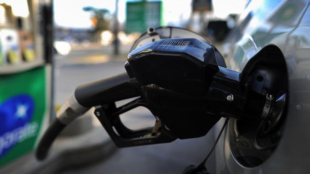 AMLO propone congelar precios de gasolinas durante tres años