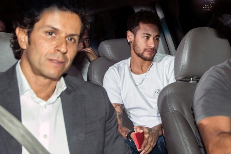 Neymar fue operado en Brasil