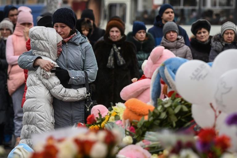 Putin visita centro comercial donde murieron 64 personas