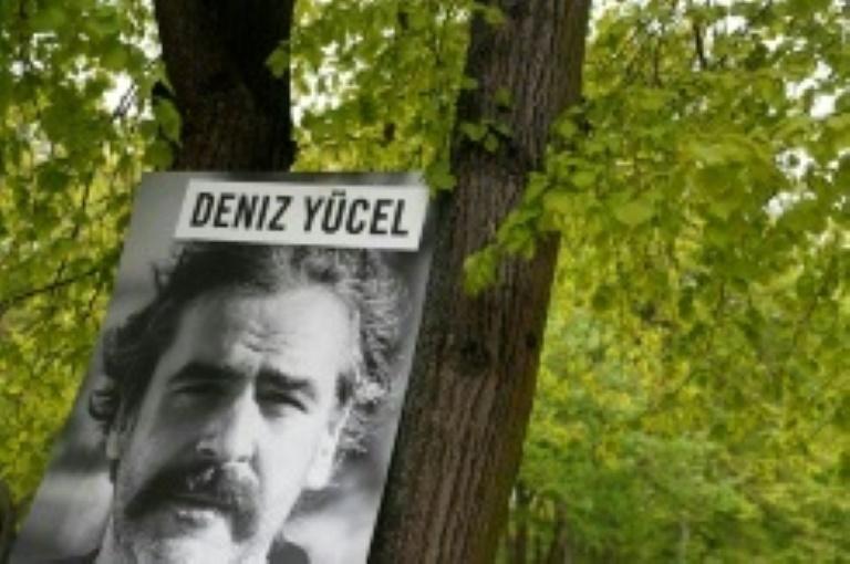 El periodista alemán Deniz Yücel puesto en libertad en Turquía