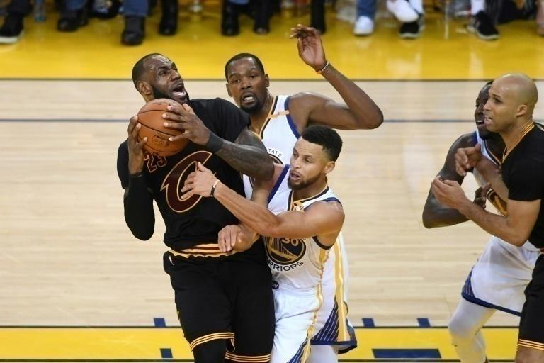 Warriors confirmaron ser el mejor equipo de la temporada regular ante Cavaliers