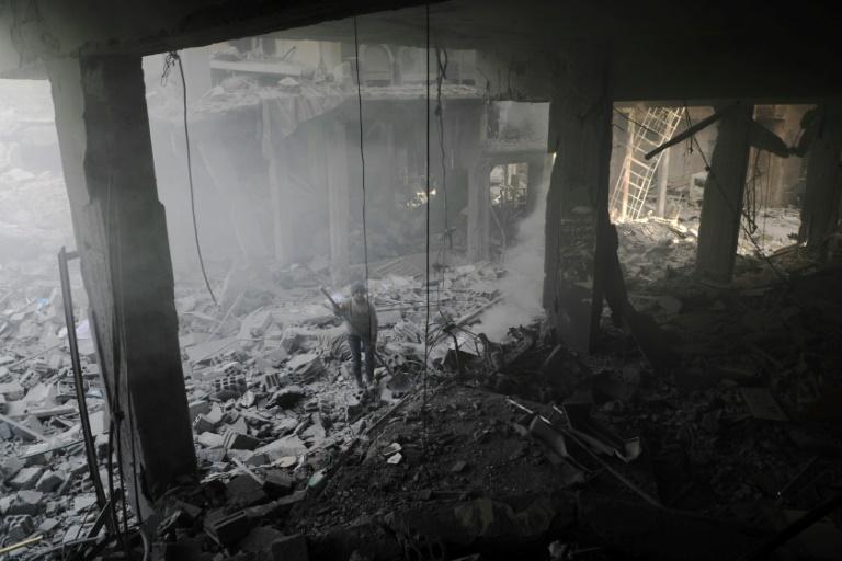 Mueren 15 niños en un bombardeo a una escuela de Guta Oriental