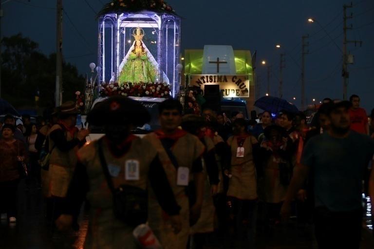 Papa Francisco: población espera inicio de la Celebración Mariana