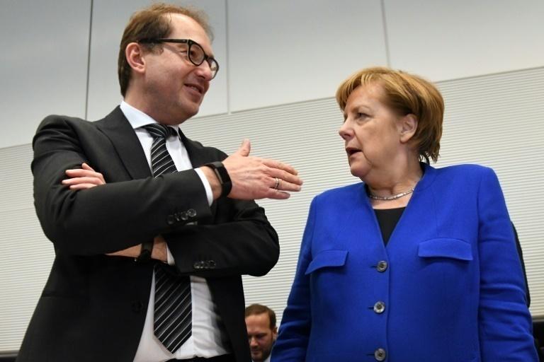 Alemania: Merkel y socialdemócratas acuerdan negociar un nuevo gobierno