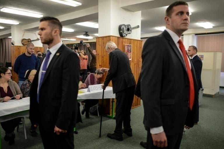 Reeligen a Milos Zeman como presidente de la República Checa