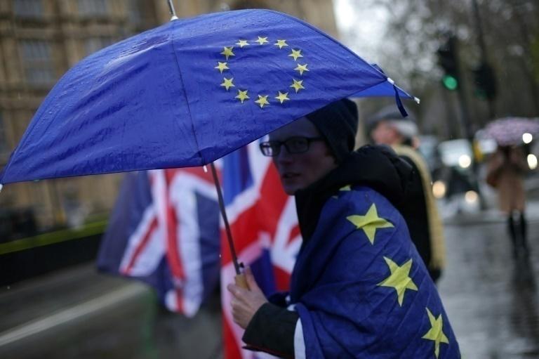 UE establece límite para período de transición solicitado por Londres
