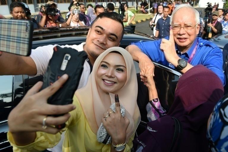 Oposición de Malasia logra histórica victoria electoral