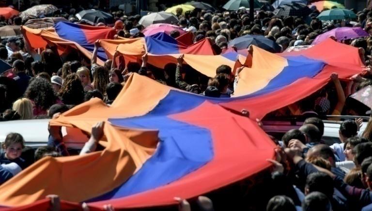 Renuncia Primer Ministro de Armenia recién elegido tras días de protestas