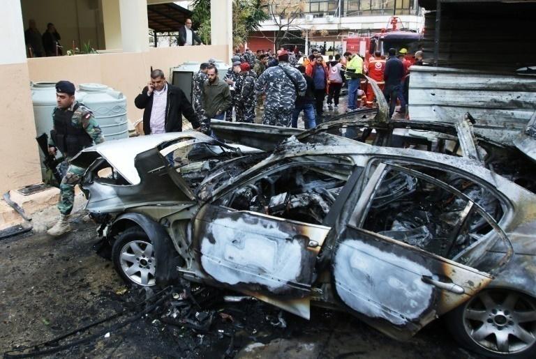 Dirigente de Hamas sale herido tras explosión de su auto