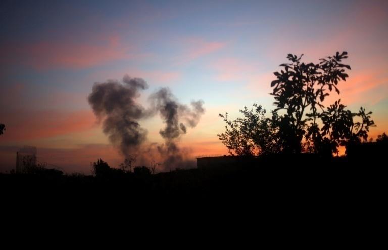 Cazas y tanques israelíes bombardean varias áreas de Gaza