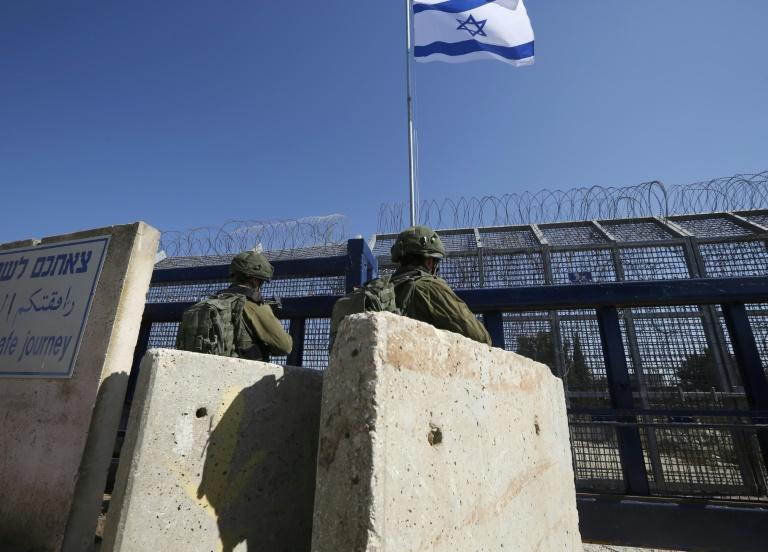 Soldados de Israel disparan contra sospechosos que cruzaron desde Siria